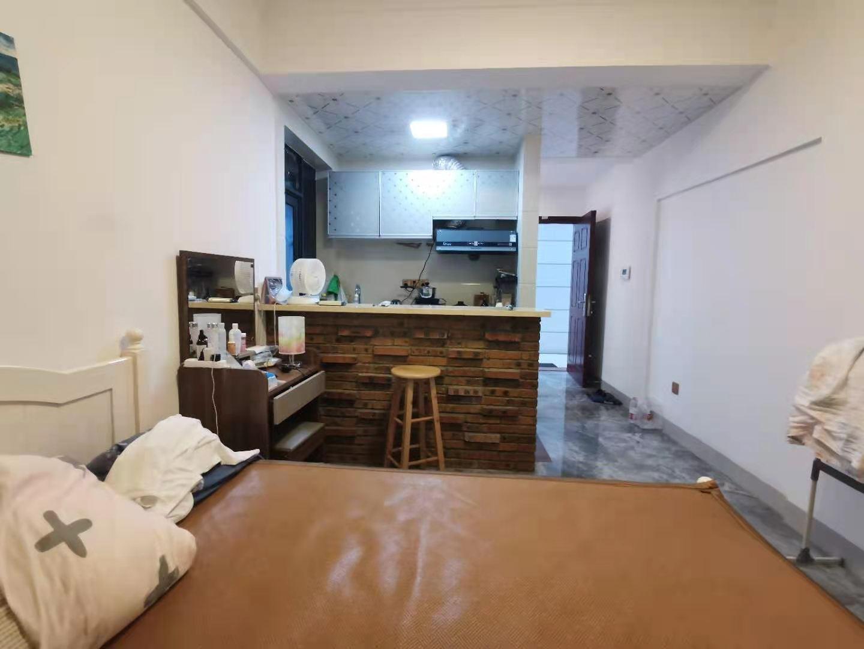 中心小学学区房 汇美豪庭精装一居室 月租抵月供